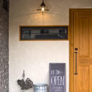 カフェ出入口扉ドア